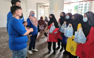 Madrasah Aljunied prepares and distributes porridge for 400 needy households this Ramadan
